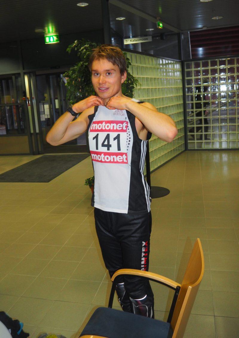 Jussi Karkkulainen voitti 800 metriä Savonlinnassa
